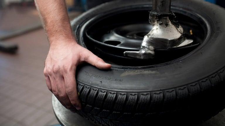Руководство по перестановке покрышек колес вашего мотоцикла