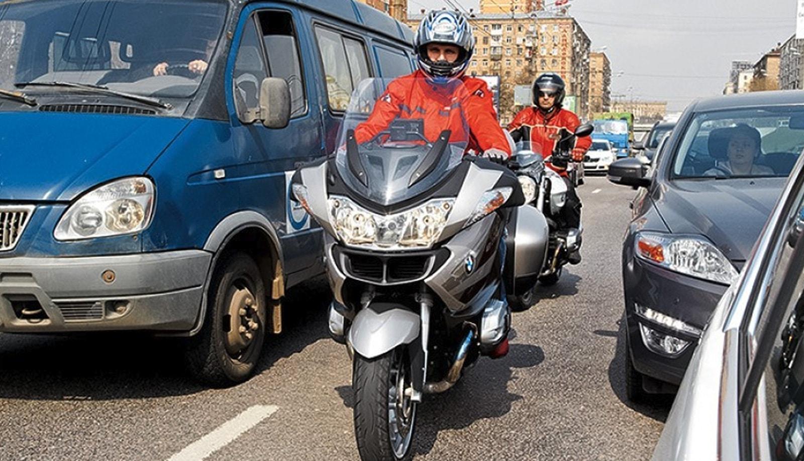 Езда на мотоцикле в городе. Искусство медленной езды в траффике