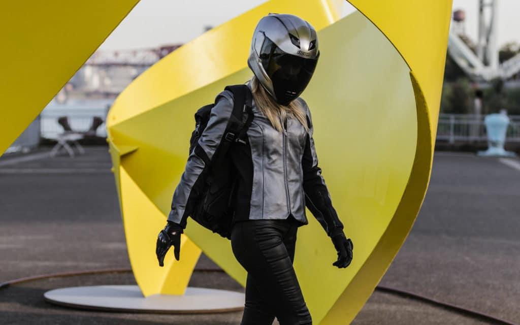 Мотокуртки Icon